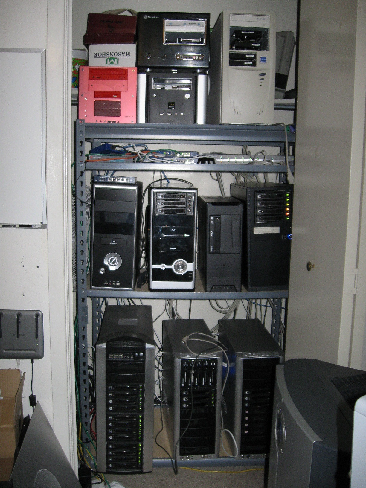 Bon SMB Closet Servers. Many ...